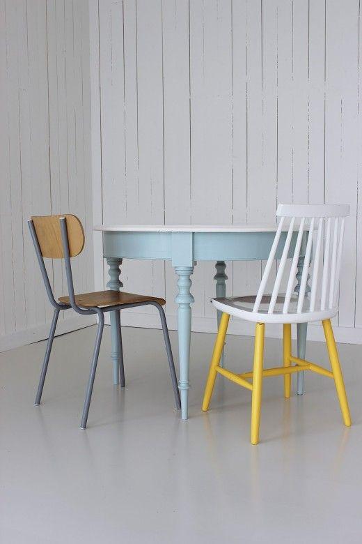 farbige beine der grosse wohntrend zum nachmachen. Black Bedroom Furniture Sets. Home Design Ideas